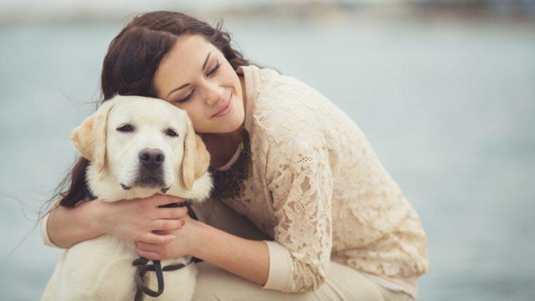 Femrat i kuptojnë më mirë qentë sesa meshkujt