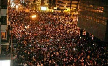 Qytetarët i përgjigjen thirrjes së Erdoganit, përleshje në rrugët e Stambollit
