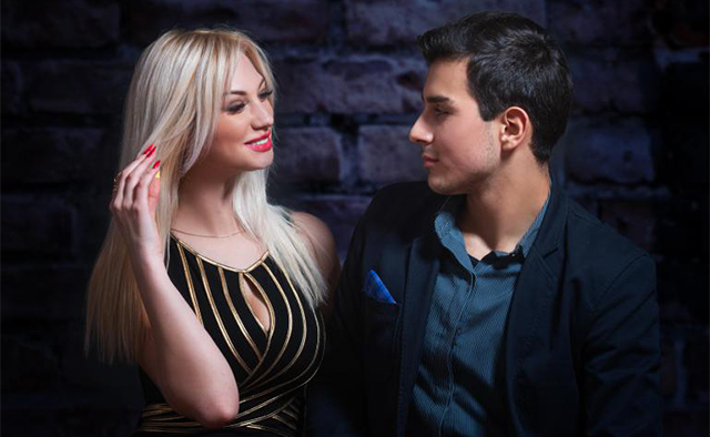 blonde-haired-woman-flirting-with-man