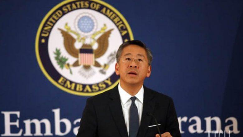 Ambasadori amerikan: Për çështjen Tahiri do të sjellim prokurorë të FBI'së