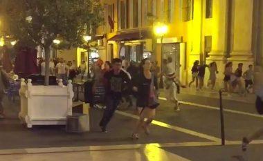 Momenti tragjik kur kamioni mbyt njerëzit në Nice të Francës (Video)