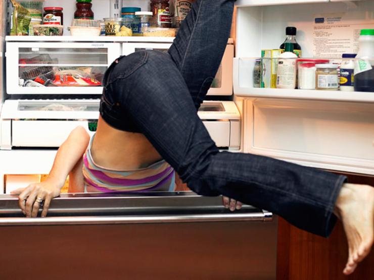 woman-fridge-600x450