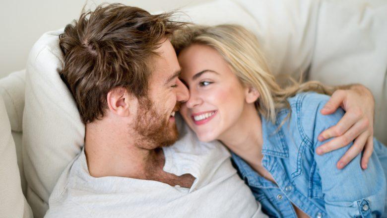 Femrat këshillojnë meshkujt: Këto janë tetë mënyrat që të na bëni të lumtura
