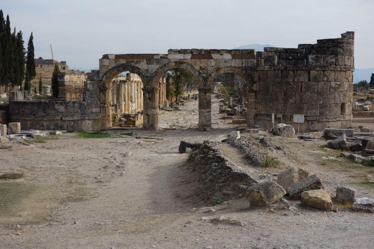 pamukkale-ancient-hierapolis_1948101916