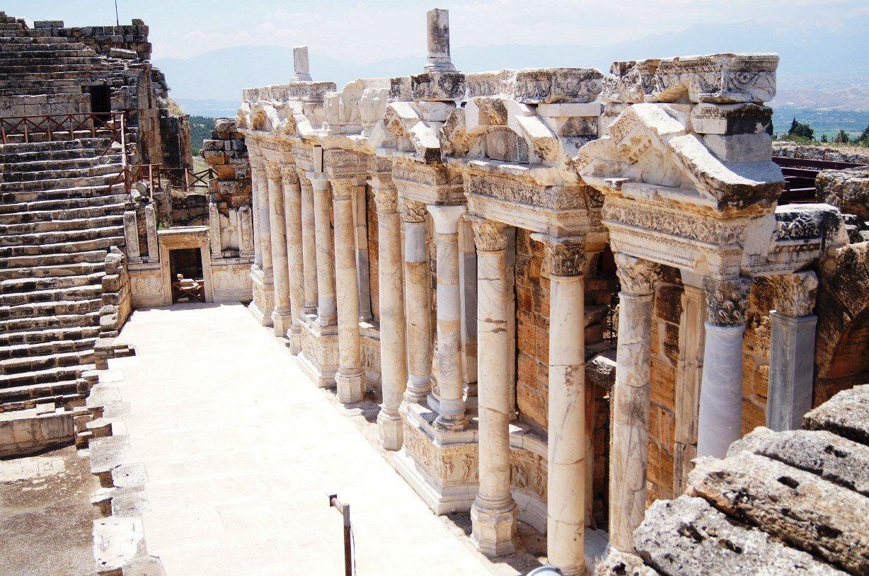 pamukkale-ancient-hierapolis_2252048174