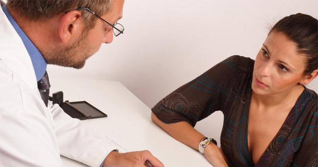 woman-talking-to-gynecologist as Smart Object-1