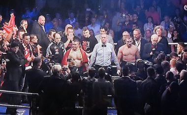 Momenti kur Luan Krasniqi e këshillon boksierin turk se si të luftonte ndaj Nuri Seferit (Foto)