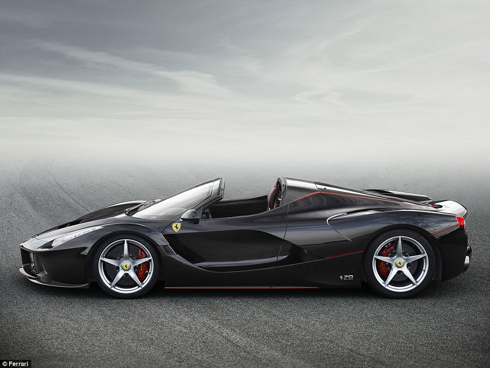 Ferrari lason hibridin e hapur LaFerrari Aperta qe kushton 1 3 milione euro foto 3