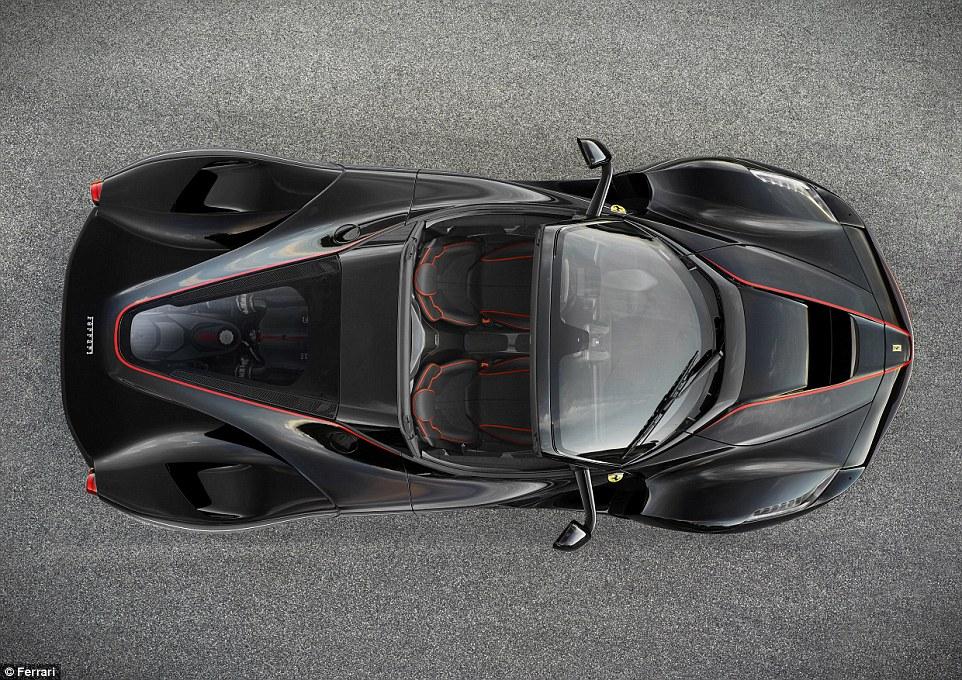 Ferrari lason hibridin e hapur LaFerrari Aperta qe kushton 1 3 milione euro foto 4