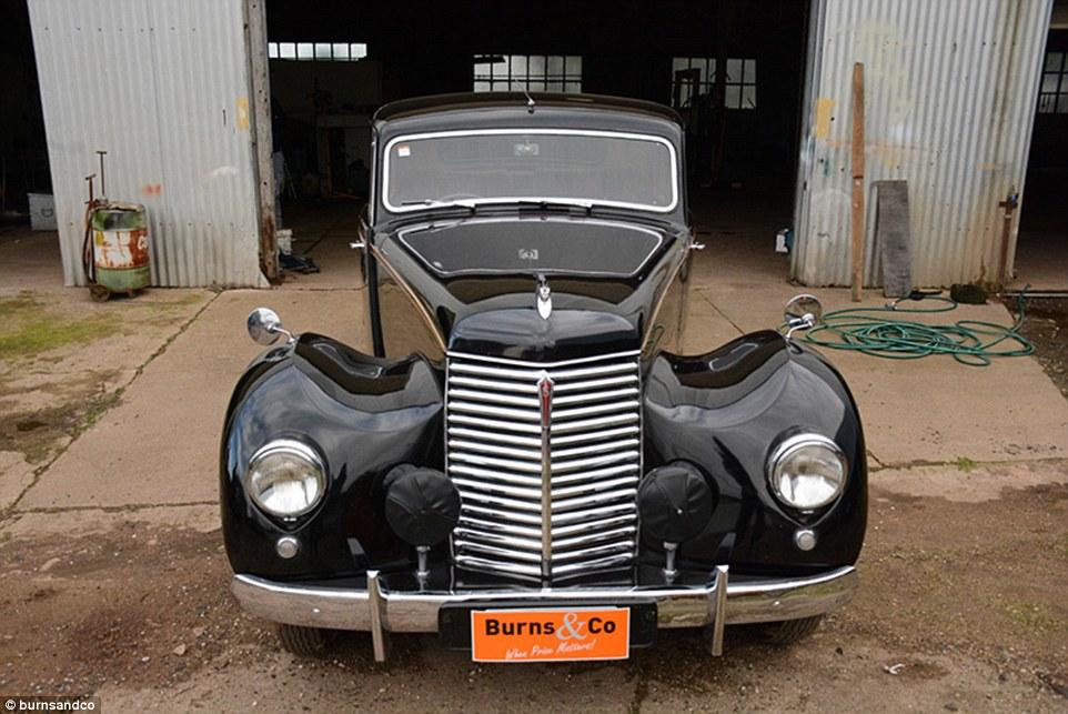Nxjerrë në shitje koleksionin e rrallë me 60 vetura klasike foto 2