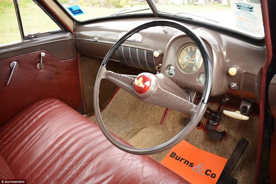 Nxjerrë në shitje koleksionin e rrallë me 60 vetura klasike foto 3