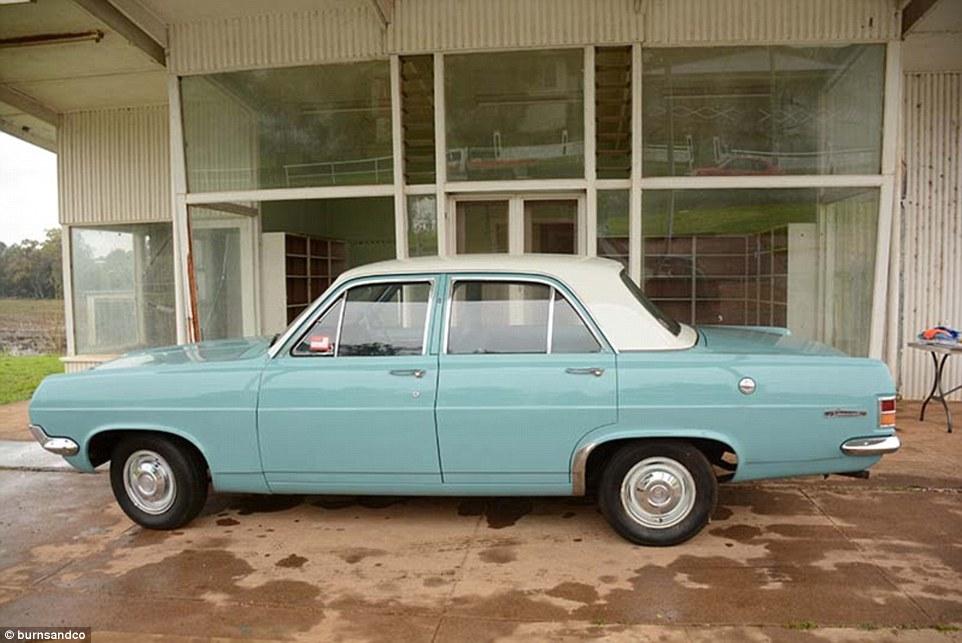Nxjerrë në shitje koleksionin e rrallë me 60 vetura klasike foto 4