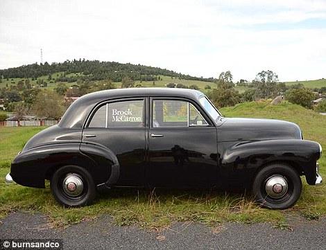 Nxjerrë në shitje koleksionin e rrallë me 60 vetura klasike foto 6