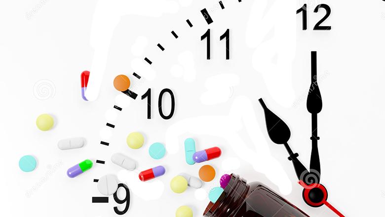 Ora e brendshme: E dini kur është më mirë të pini ilaçin?