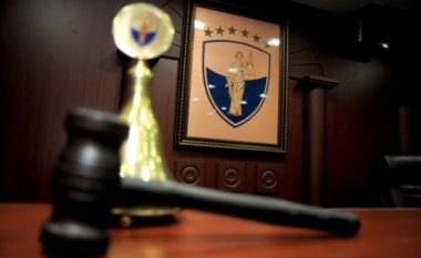 Prokurori kërkon paraburgim për 19 nga 23 të arrestuarit për dallavere me patentë shoferë