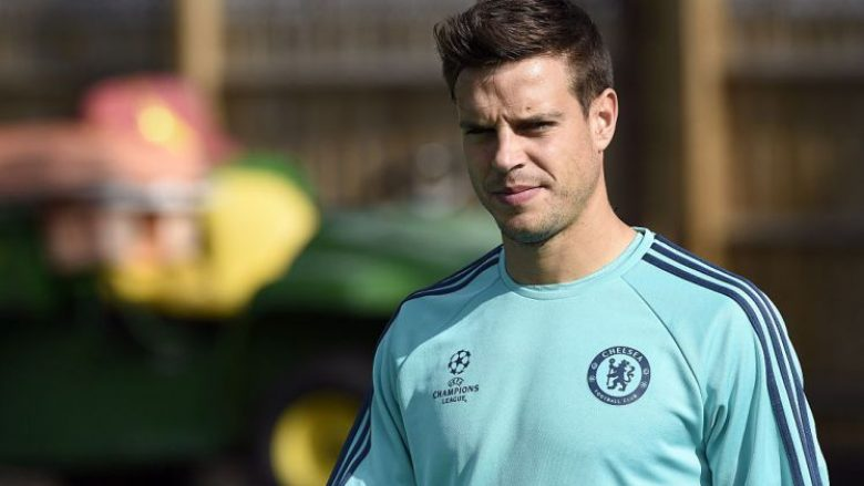Chelsea's Spanish defender Cesar Azpilicueta arrives for a training session  at Chelsea's training ground in Stoke D'Abernon, south of London, on September 28, 2015, on the eve of their UEFA Champions League Group G football match against Porto.   AFP PHOTO / FRANCK FIFE        (Photo credit should read FRANCK FIFE/AFP/Getty Images)
