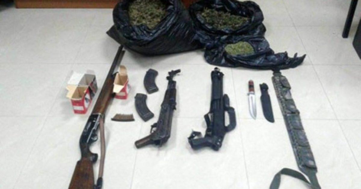 Tritol, armë dhe drogë, tre të arrestuar (Video)