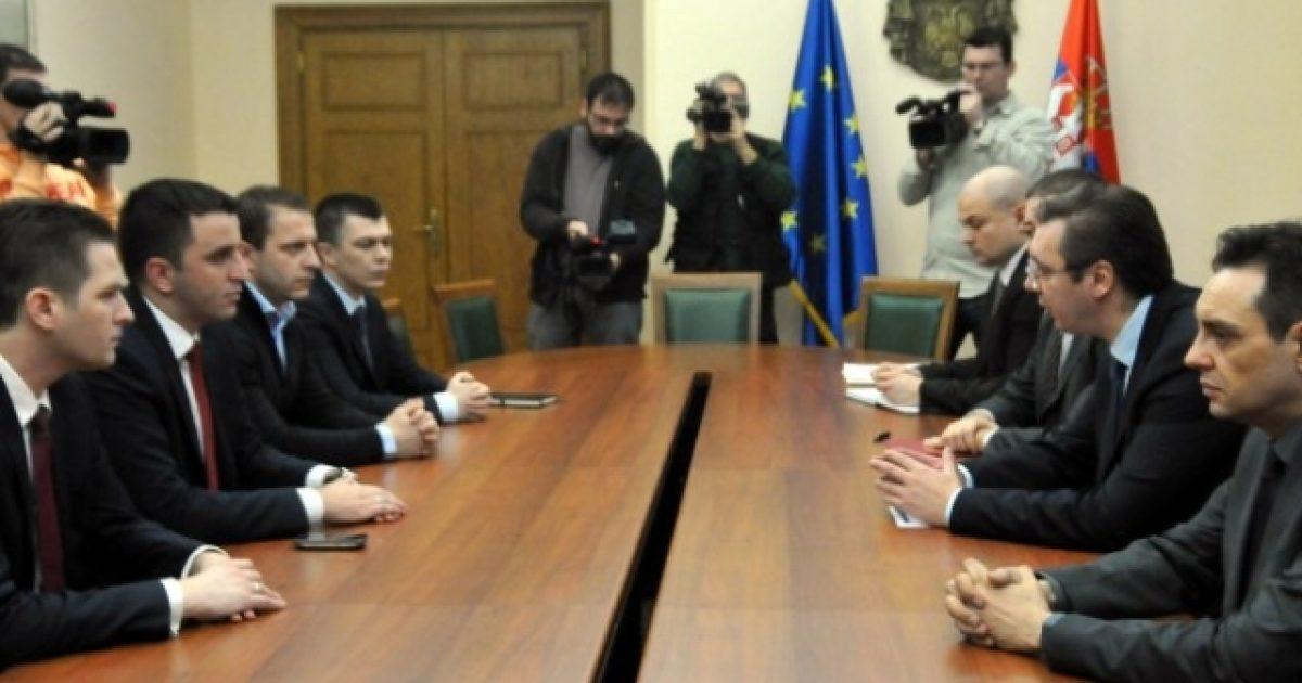 Lista Serbe në pritje të vendimit të Vuçiqit për braktisjen në tërësi të institucioneve të Kosovës
