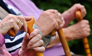 Ndryshon mënyra e marrjes së pensioneve zvicerane për kosovarët