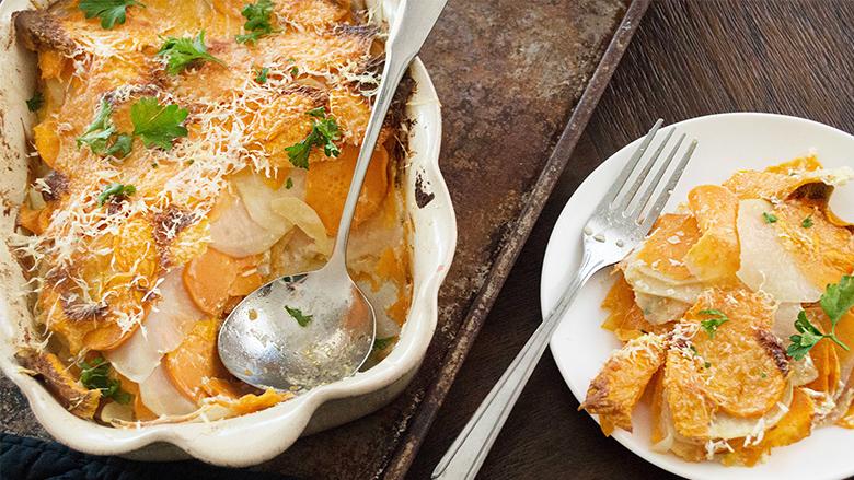 Gjellë e zakonshme nga patatet: musaka e zbrazët me parmezan