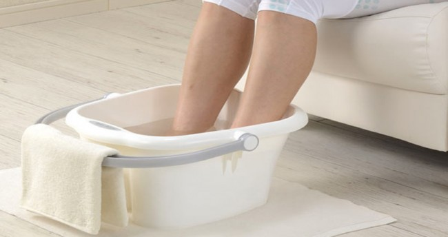 soak-your-feet-in-cold-water-every-night-what-follows-will-surprise-you-e1443308884919