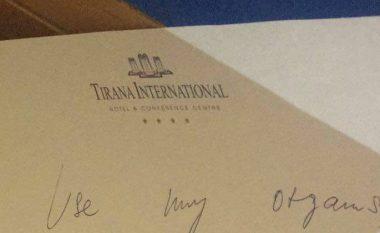 Zbulohet letra që la turistja që u hodh nga kati i 6-të i hotelit në Tiranë (Foto)