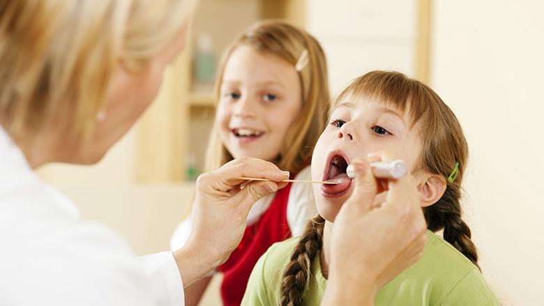 Shërojeni bronkitin te fëmijët me barna natyrale: Tretja e cila pengon kollën!