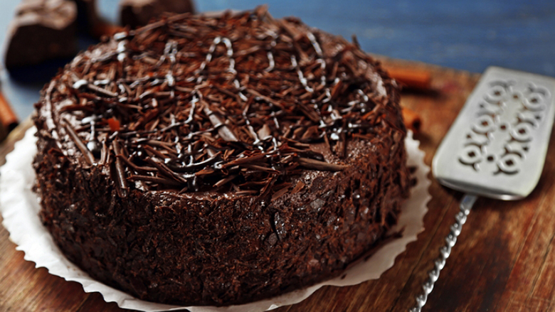 Ëmbëlsirë shumë e shijshme me arra dhe lajthi!