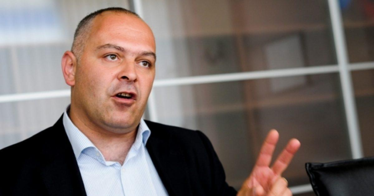 Gjini: Politikanët e Kosovës shkunden kur e dëgjojnë kryeministrin Haradinaj