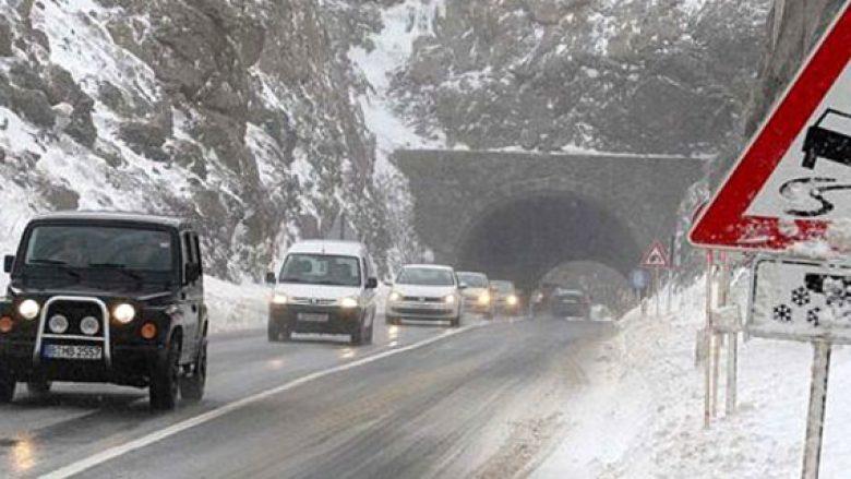 Rruga Mavrovë-Dibër lëshohet në qarkullim të sërishëm, pas orteqeve të mbrëmshme dhe sotme