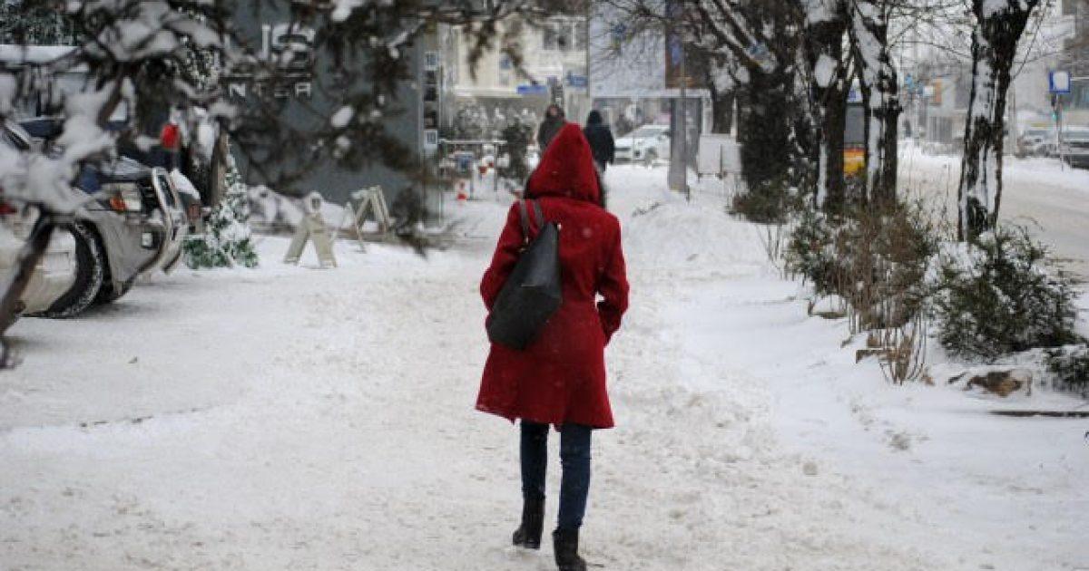 Moti i keq mbërthen Shqipërinë