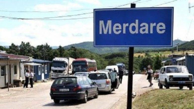 Kolona të gjata në Merdare, pritjet deri në pesë orë