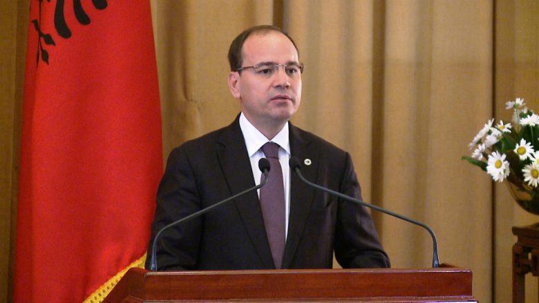 Nishani dekreton ministrat e rinj