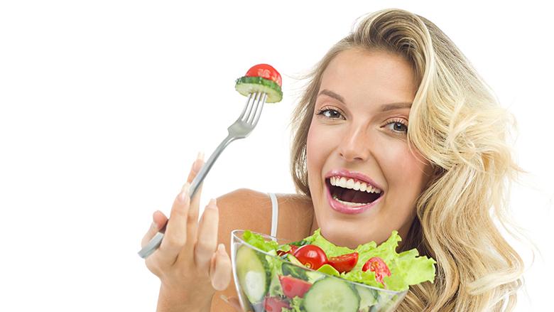 Kastravecin dhe domaten nuk bën t'i hani bashkë: Cilat kombinime tjera të ushqimeve do të duhej t'i shmangni
