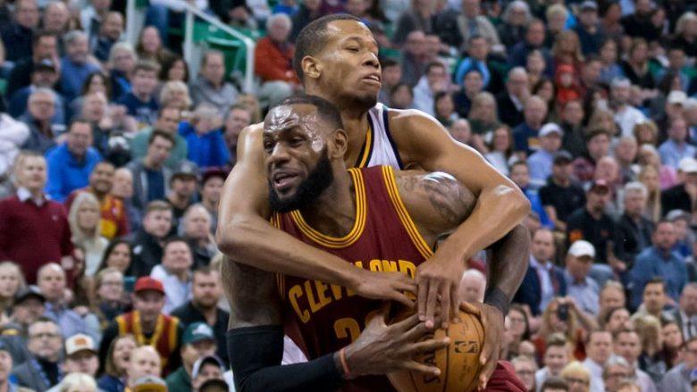 Cavaliers e Golden State, lider të padiskutueshëm të konferencave (Video)