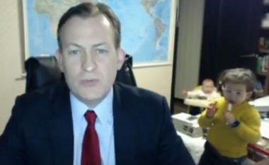 """Tentimi i profesorit për të dhënë intervistë serioze për BBC, """"shkatërrohet"""" nga fëmijët e tij (Video)"""