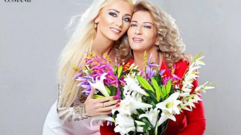 """""""Nëna ime"""" dueti më i veçantë i skenës, Gresa Behluli: Unë dhe mami gjithnjë të pandashme (Foto/Video)"""