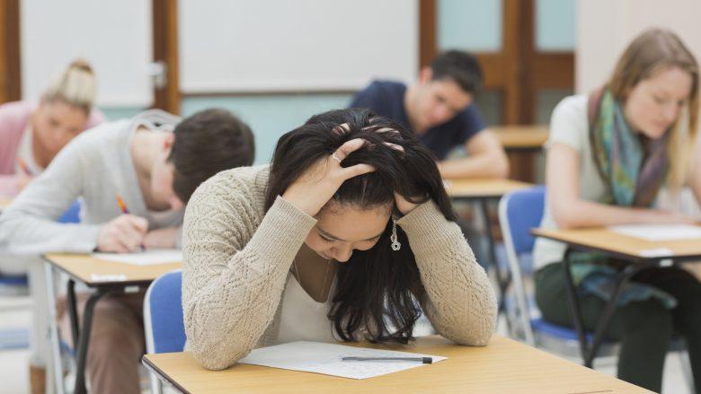 Pesë rregulla të arta për të kaluar stresin e provimeve