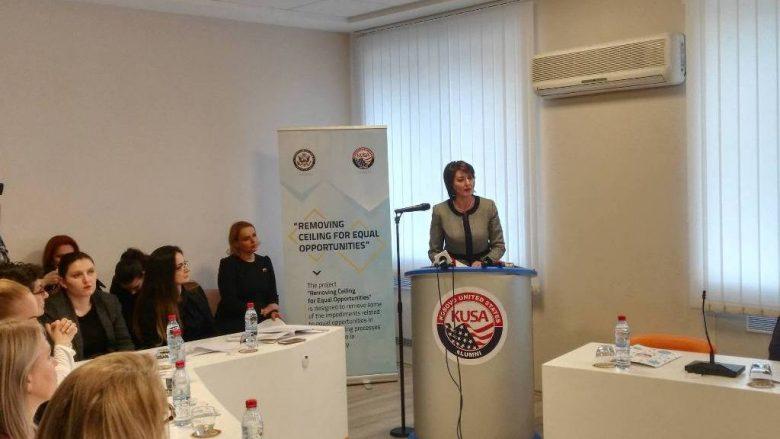 Pjesëmarrja e grave në vendimmarrje rrit zhvillimin ekonomik (Video)