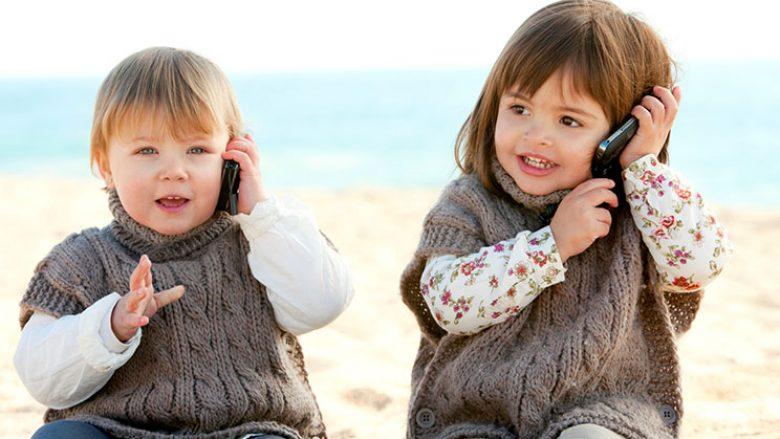 Çka nëse fëmijët kalojnë më shumë se tri orë në telefon?