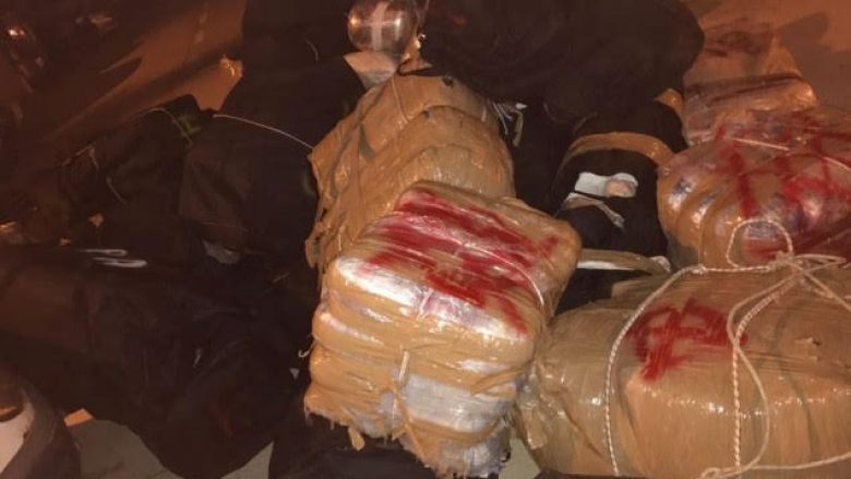Policia zbulon 1.3 ton kanabis në Vlorë