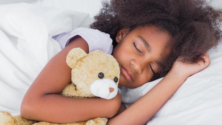 Kur t'i zgjoni dhe t'i vendosni në gjumë fëmijët?