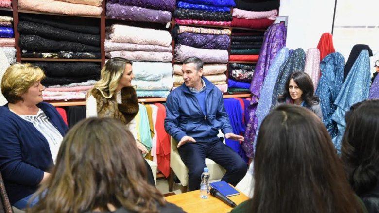 Veseli takon gratë sipërmarrëse të Suharekës