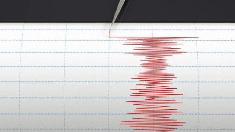 Dy tërmete në Turqi, panik në rrugë