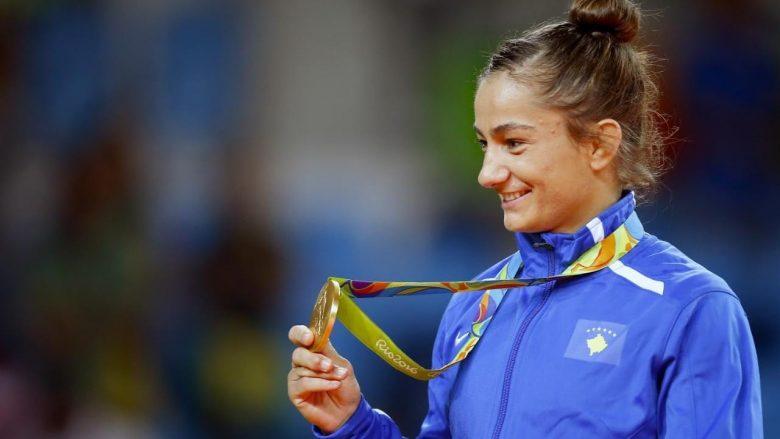 Flet mbretëresha Majlindë: E falënderojë zotin për medaljen, jam shumë e lumtur