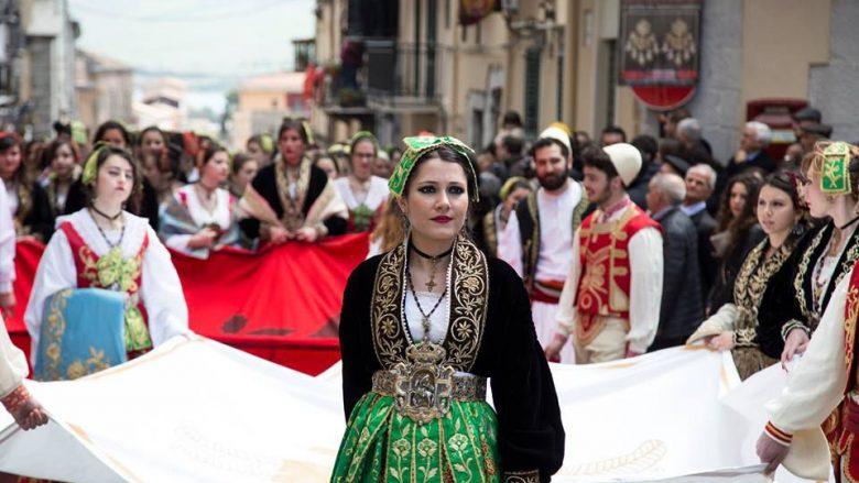 Arbëreshët kërkojnë ndihmë nga Tirana (Video)
