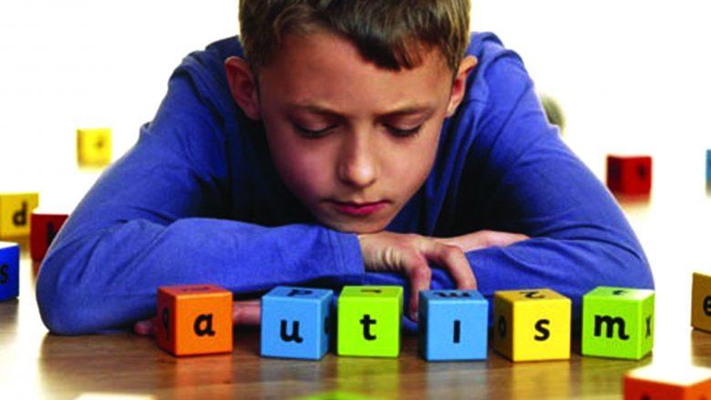 Çka është autizmi dhe cilat janë shenjat e hershme të kësaj sëmundje