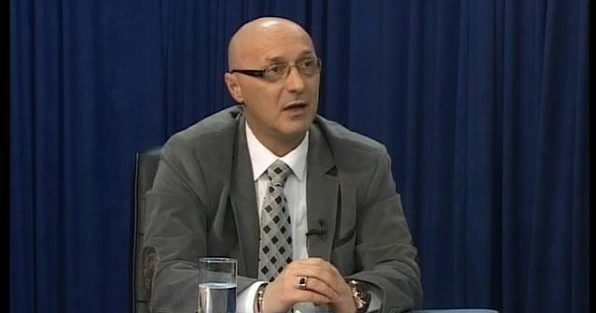 Specialja fton Fatmir Shehollin  nuk dihet në çfarë cilësie
