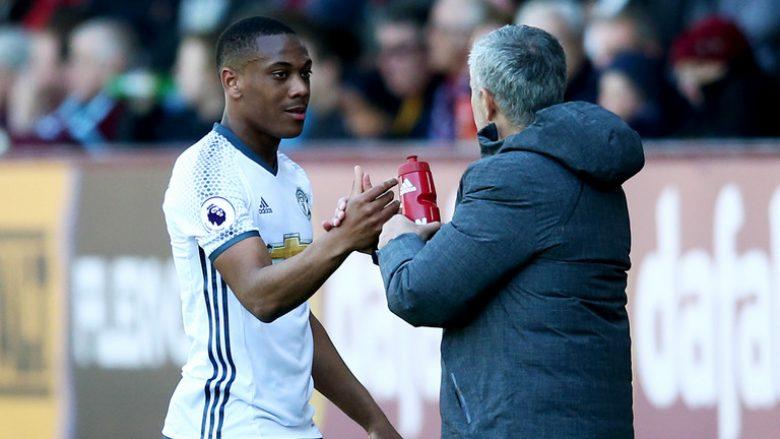 Mourinho i tregon çmimin Barcelonës për Martialin, por ia jep edhe një mundësi shkëmbimi
