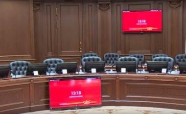 Qeveria e Maqedonisë kërkon mënyrë për ta shkarkuar drejtorin e Qendrës për Shëndet Publik, Arben Ziberi